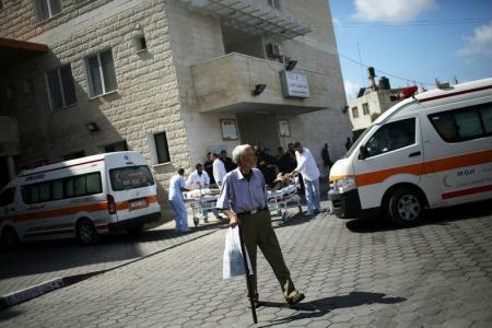 Grupa kanadskih ljekara pokrenula je projekt instaliranja solarnih panela u bolnicama u Gazi zbog čestog nestanka struje.